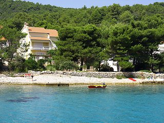 5 bedroom Villa in Iz Iz Mali, North Dalmatia Islands, Croatia : ref 2299844 - Mali Iz vacation rentals