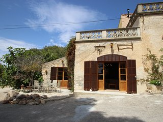 Nice Villa with Internet Access and Shared Outdoor Pool - Saint Llorenç des Cardassar vacation rentals