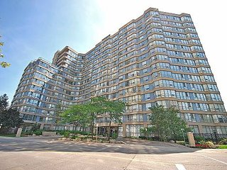 Gorgeous and spacious apartment near Square One - Mississauga vacation rentals