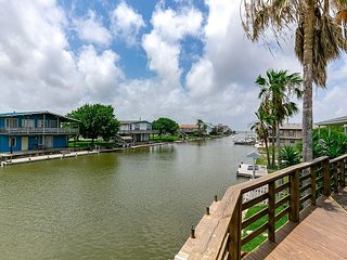 Canal Front home Holiday Beach, Community Pool, Boat Dock - Rockport vacation rentals