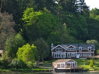 Bright, Cheery Home on Bainbridge Island Inner Harbor, Close to Seattle Ferry - Bainbridge Island vacation rentals
