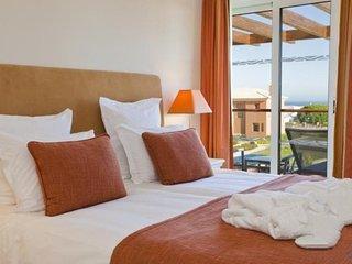 2 bedroom Villa in Carvoeiro, Algarve, Portugal : ref 2308025 - Carvoeiro vacation rentals