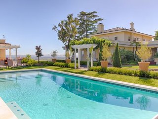 Historic Wine Country Hilltop Estate - Private Pool, Great for Big Groups - Santa Rosa vacation rentals