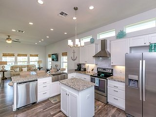 Brand New 5-Bed - With Gulf Views, Two Pools And A Boardwalk To The Beach. - Port Aransas vacation rentals