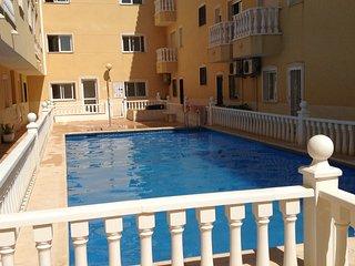 2 bed apartment with communal pool - Formentera Del Segura vacation rentals