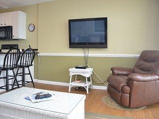 Lovely 2 bedroom Apartment in Garden City Beach - Garden City Beach vacation rentals