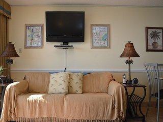 Gorgeous 2 bedroom Apartment in Garden City Beach - Garden City Beach vacation rentals