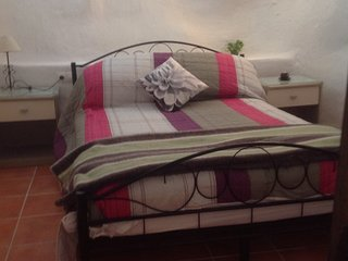 Casa Aguila - Cave House Bed & Breakfast - La Alqueria vacation rentals