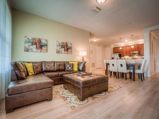 Freshly renovated 3 bedroom lake view condo with all new furniture. - Orlando vacation rentals