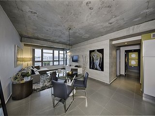 Spectacular 2 bedroom / 2 bath designer unit in boutique loft style building - Miami vacation rentals