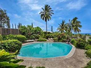 Experience Vintage Hawaii with an Ocean View and Private Pool! - Kailua-Kona vacation rentals