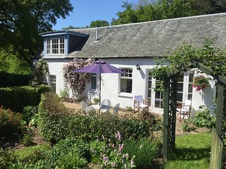 Perfect 2 bedroom Loch Lomond and The Trossachs National Park Cottage with Internet Access - Loch Lomond and The Trossachs National Park vacation rentals