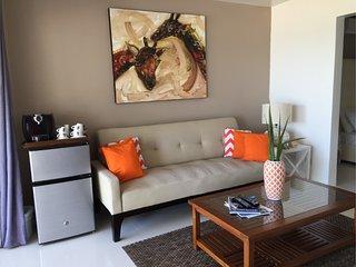 El Zafiro: Pearl Suite - Peace of mind! - Simpson Bay vacation rentals