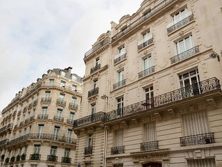 (email: hidden) - Paris vacation rentals