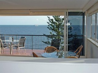 Wickham Point Unit 5 Kings Beach QLD - Kings Beach vacation rentals