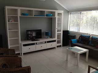 Nice House with Television and DVD Player in Currimundi - Currimundi vacation rentals