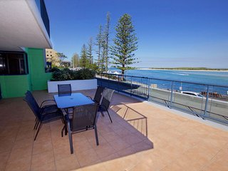 Grand Pacific Unit 27 Bulcock Beach QLD - Richmond vacation rentals