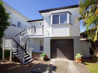 49 Henzell Street, Dicky Beach QLD - Dicky Beach vacation rentals