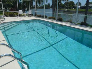 Cape Coral Canal Beauty - Cape Coral vacation rentals