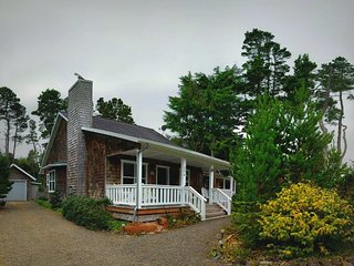Casa Bella - Depoe Bay vacation rentals