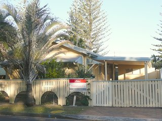 2 bedroom House with A/C in Yamba - Yamba vacation rentals