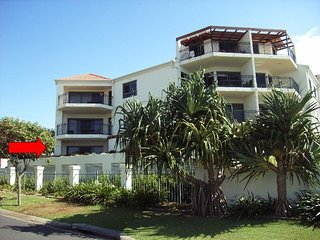 Bright 3 bedroom Yamba Apartment with Private Outdoor Pool - Yamba vacation rentals