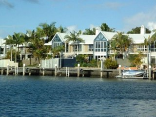 Beautiful 3 bedroom Villa in Hope Island - Hope Island vacation rentals