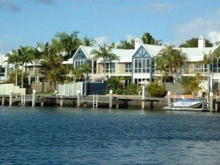 Comfortable 3 bedroom Villa in Hope Island - Hope Island vacation rentals