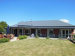 1 bedroom Private room with Internet Access in Christchurch - Christchurch vacation rentals