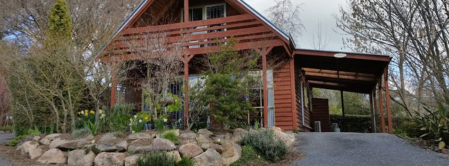 Country Charm Self Contained Cottages - Beechworth vacation rentals