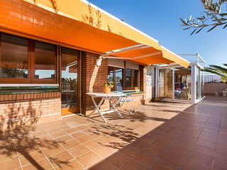 3-bedroom apartment with terrace - Barcelona vacation rentals