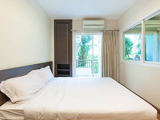 A step to the pool @ Patong w/wifi, gym, sauna - Patong vacation rentals
