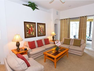 Gorgeous 6 Bedroom 4 Bath Pool Home in Tower Lakes. 509PD - Haines City vacation rentals