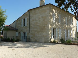 Nice Saint-Germain-Du-Puch Studio rental with Internet Access - Saint-Germain-Du-Puch vacation rentals