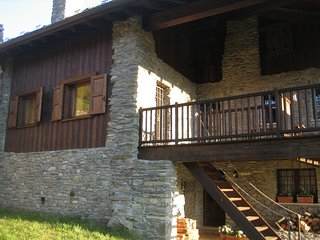 Cozy 3 bedroom Villa in Aymavilles - Aymavilles vacation rentals