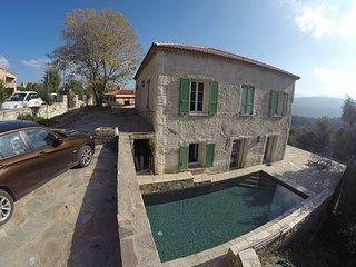Presbytère avec piscine proche de Saint Florent - Santo-Pietro-di-Tenda vacation rentals