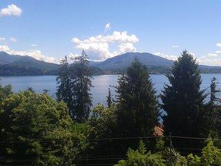 appartamento nel cuore del Lago Maggiore - Belgirate vacation rentals