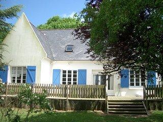 maison entourée d'un grand jardin à 1km de la mer - Ploumilliau vacation rentals