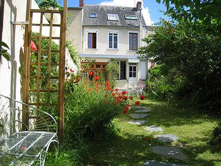 Le Petit Quernon, Bed & Breakfast - Angers vacation rentals