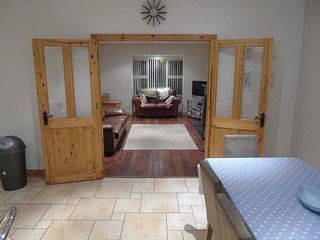 Lovely 4 bedroom House in Culdaff with Washing Machine - Culdaff vacation rentals