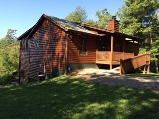 Bear Lodge on Miners Mountain - Helen vacation rentals