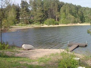 ANNA: Egen stuga, strand, brygga och roddbåt - Dragsfjard vacation rentals