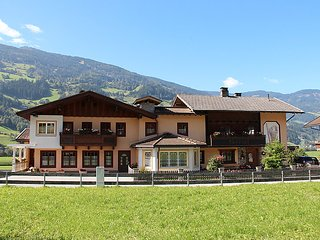 4 bedroom Apartment in Kaltenbach, Zillertal, Austria : ref 2295405 - Stumm vacation rentals