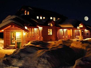 Moose Ridge Lodge- (7 Night Minimum Stay- at this property) - Eden vacation rentals