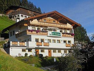 4 bedroom Apartment in Zillertal-Mitte/Aschau, Tyrol, Austria : ref 2127823 - Aschau im Zillertal vacation rentals