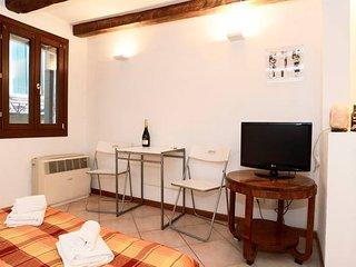 Biennale studio behind San Marco - Venice vacation rentals