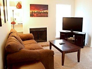 Amazing Condo in Addison1AD18333122 - Addison vacation rentals