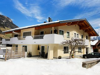 3 bedroom Apartment in Finkenberg, Zillertal, Austria : ref 2300650 - Finkenberg vacation rentals