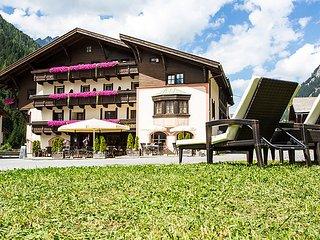 Comfortable 7 bedroom House in Saint Leonhard im Pitztal - Saint Leonhard im Pitztal vacation rentals