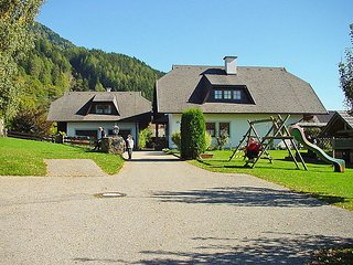 Sunny House with Television and Balcony - Seeboden vacation rentals